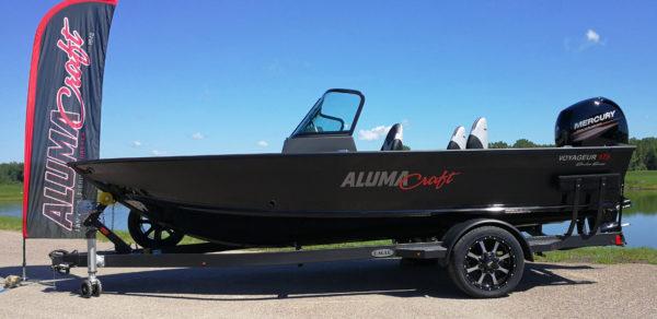 Alumacraft Shadow Voyageur 175 Sport båt