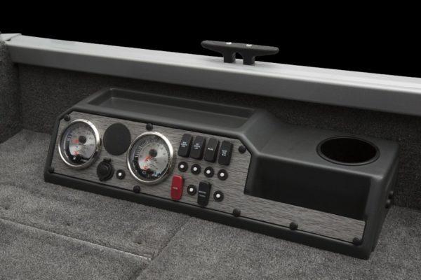 Competitor 165 Tiller kontrollpanel