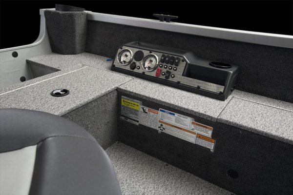 Alumacraft Voyageur 175 Tiller kontrollpanel