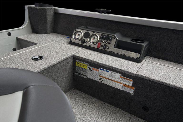 Alumacraft Voyageur 175 Tiller kontrollpanel