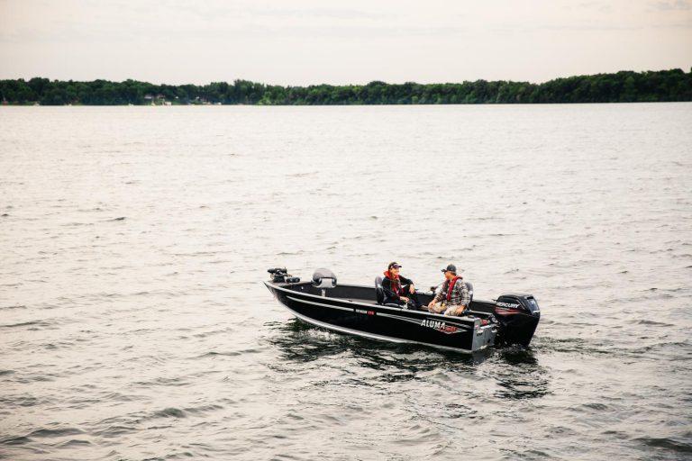 alumacraft voyageur 175 tiller boat