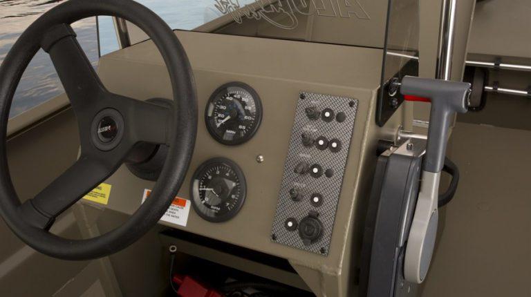 alumacraft mw 1650 aw cc båt